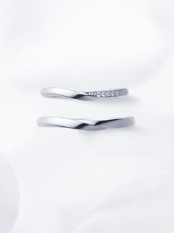 俄,結婚指輪